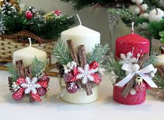 Explore the Beautiful and Mesmerizing Christmas Candle Decoration Ideas at Live Enhanced. Visit for more ideas to Decorate your home with Christmas Candle. Christmas Candle Decorations, Christmas Candle Holders, Holiday Centerpieces, Christmas Candles, Christmas Crafts, Christmas Ornaments, Soulful Christmas, White Baubles, Candle Arrangements