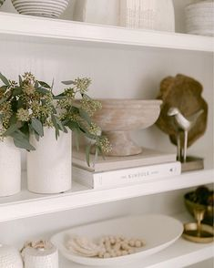 Fall Home Decor, Home Office Decor, Autumn Home, Interior Design Inspiration, Home Decor Inspiration, Bookshelf Inspiration, Home Design, Hippie Stil, Home And Living