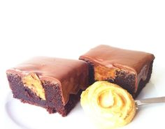 We wants it, we needs it. Must have the precious. Must have the PEANUTBUTTER BROWNIE! @ Niki's Cakes ;)
