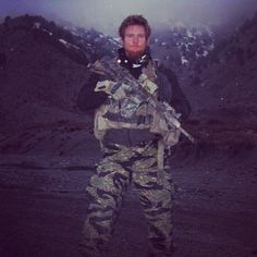 SSG Jason Dahlke of 1st Battalion 75th Ranger Regiment KIA during a Direct Action raid against HVTs on August 29 2009. [453x453]