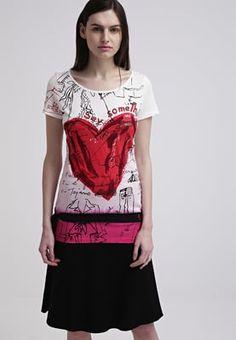 Desigual TERIX - Print T-shirt - carmin for £30.00 (23/04/16) with free delivery at Zalando