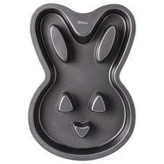 Wilton 6 Cup Nonstick Bunny Cake Pan - Black Quick Information Little Bunny Foo Foo, Bunny Birthday, Birthday Cakes, Cupcake Shops, Hoppy Easter, Fun Cupcakes, Easter Treats, Cute Food, Cake Pans