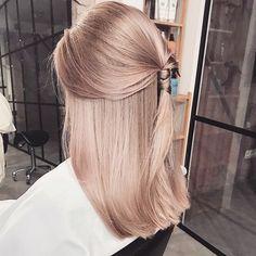 Hair Colour – My hair and beauty Rose Hair, Pink Hair, Baby Blonde Hair, Hair Inspo, Hair Inspiration, Cheveux Beiges, Blond Rose, Rose Gold Hair Blonde, Champagne Blonde Hair