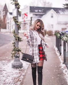 christmas outfit Want to know what are the best choices for affordable winter jackets! Then this list might give just the inspiration you needed! Adrette Outfits, Preppy Outfits, Outfits For Teens, Stylish Outfits, Winter Mode Outfits, Winter Fashion Outfits, Fall Outfits, Cute Christmas Outfits, Holiday Outfits