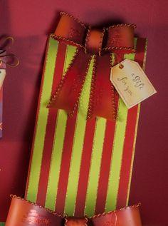 Yard Gift Box Striped