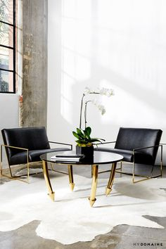 Table is freakin awesome!! Tour the Glam Offices of Vita Fede, Designed by Aimee Song via @MyDomaine