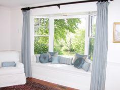 dormitorio con bow window - Buscar con Google                                                                                                                                                     More