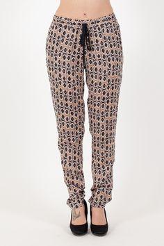Kaos - Pantalone. Collezione Kaos Donna. Abbigliamento donna. www.vitalina.it #outfitprimavera #outfitestate #lookestate #kaos #donna