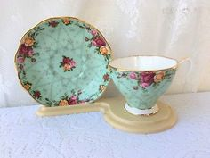 "Royal Albert Old Country Roses ""Peppermint Damask"" Bone China tea cup&saucer 10"