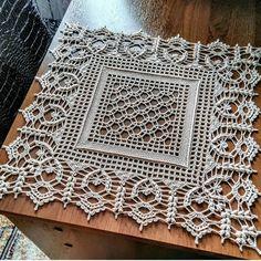 Crochet Tablecloth Pattern, Crochet Bedspread Pattern, Crochet Snowflake Pattern, Crochet Mandala Pattern, Crochet Curtains, Crochet Stitches Patterns, Crochet Squares, Thread Crochet, Crochet Crafts