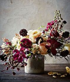 HOLIDAY FLORAL INSPIRATION: SUMPTUOUS, SATURATED JEWEL TONES