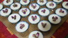 Making Rose cupcake soap-Facem briose de sapun marturii,cu trandafiri na... Cupcake Soap, Rose Cupcake, Favors, Cupcakes, Natural, Board, Desserts, Tailgate Desserts, Presents