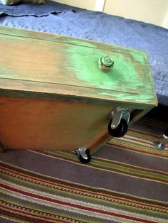 Under bed storage- a dresser drawer on wheels! perfect for using an old dresser that would have just been thrown out!
