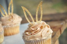 """Looking for bunny cupcake decorations? Confetti Momma's """"Bunny Ear Cupcake Toppers"""" are the perfect addition to any spring party. They look great for either a some bunny is one party, spring baby… Daha fazlası Cupcakes Baby Shower Niño, Bunny Cupcakes, Easter Cupcakes, Easter Cupcake Decorations, Easter Cake Toppers, Baby Cupcake Toppers, Mocha Cupcakes, Easter Centerpiece, Flower Cupcakes"""