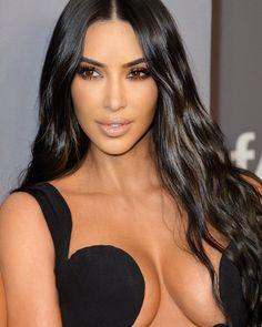 Kim Kardashian Hot, Kim Kardashian Sisters, Kardashian Beauty, Kardashian Jenner, Long Indian Hair, Kim K Style, Hot Brunette, Voluptuous Women, Hair Beauty