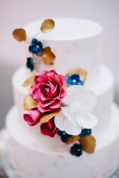 Modern Wedding Cake with Marsala Details via Every Last Detail found on boards.styleunveiled.com | Best Photography