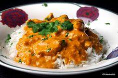 Intialainen voikana on sen verran herkkua, että olen ehtinyt tässä välissä kokkailemaan sitä jo toistamiseen. Ensimmäisellä kerralla kastikkeesta tuli täydellistä! Sileää ja kiiltävää. Toisella ker... Egg Recipes, Indian Food Recipes, Chicken Recipes, Dessert Recipes, Cooking Recipes, Healthy Recipes, Ethnic Recipes, Recipies, Desserts