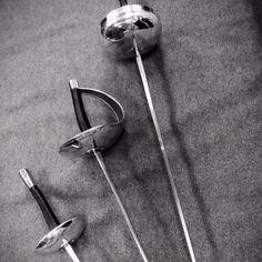 #SwordsAfrerMidnight  sport fencing swords left to right : Foil Saber Épée ! #fencing #swordplay #stagefighting #stagecombat by darkagecreations