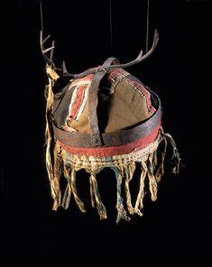 Coiffe de chamane evenk Musée du Quai Branly / Muséum National d'Histoire Naturelle - deposit of the Musée de l'Homme. 71.1887.42.2.1-2