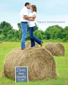 Couples photoshoot ideas by Treece Photography