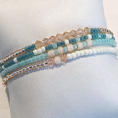 Diy Beaded Bracelets, Beaded Bracelet Patterns, Stackable Bracelets, Making Bracelets With Beads, Seed Bead Bracelets, Ankle Bracelets, Bracelet Set, Stretch Bracelets, Stack Bracelets