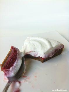 Vegan Raspberry Super Food Short Cake (#vegan #glutenfree) // Damy Health