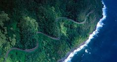The winding passages of the Hana Highway  onlyinhawaii.org