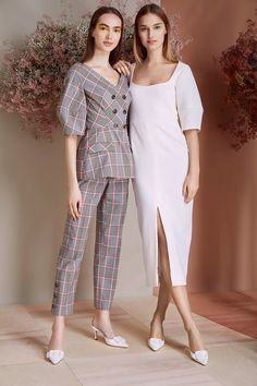 Lela Rose Pre-Fall 2019 Fashion Show - Herren- und Damenmode - Kleidung Look Fashion, Trendy Fashion, Fashion Models, Girl Fashion, Fashion Show, Autumn Fashion, Fashion Dresses, Fashion Design, Fashion Trends