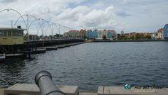 De Pontjesbrug in Willemstad Willemstad, Pontoons