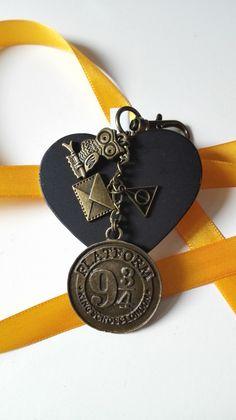 Bijou de sac Harry Potter Plateforme 9 3/4 King's Cross bronze féérique : Autres bijoux par miss-perles