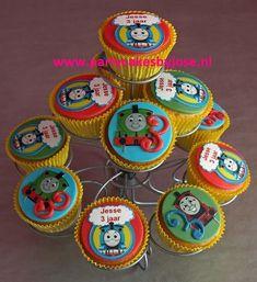 thomas de trein cc Thomas The Train, Boy Room, Fondant, Birthdays, Cupcakes, Party, Big, Thomas Train, Birthday