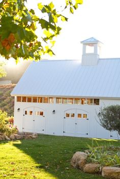 Mom had a thing for old barns too white barn/garage Country Barns, Old Barns, Horse Barns, Dream Barn, My Dream Home, Dream Stables, Barn Garage, Garage Doors, Bungalow