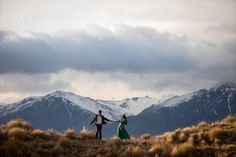 Fantastic photoshoot up Coronet Peak for this couple at sunrise. By Dan Childs at 222 Photographic Studios, Queenstown, New Zealand.