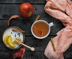 This easy apple peel tea is a great way to use up leftover apple peels and get all the nutrition they contain! Plus it tastes amazing! Apple Tea, Cinnamon Tea, Strawberry Kiwi, Watermelon, Apple Seeds, Fresh Apples, Smoothie Recipes, Food To Make, Nutrition