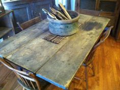 Early table with awesome surface patina Primitive Kitchen, Primitive Country, Rustic Kitchens, Cool Kitchens, Primitive Furniture, Antique Furniture, Victorian Kitchen, Dining Room, Dining Table