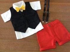 Roupa Mickey estilosa em algodão e brim leve    valor referente aos tamanhos de 6/9 meses a 4 anos  prazo de confecção de 10 dias úteis
