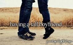 Having a tall boyfriend...sorry deze kon ik. Iet laten liggen...zou hem ook te vinden zijn in 'having a little boyfriend'?