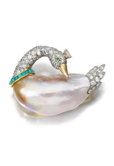 Freshwater pearl and diamond brooch