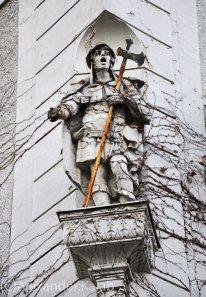 Wien im sucher der Vienna, Feels, Batman, Superhero, Photography, Fictional Characters, Art, Art Background, Photograph