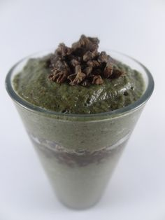 Thick Cacao Green Smoothie    #smoothie #recipes  #Raw  -  Retweeted by www.eatloveraw.com Raw Energy Bars