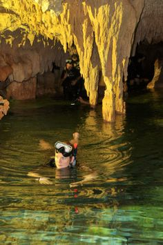 Diving Riviera Maya Cenote - limestone sinkhole with amazingly clean blue water