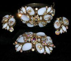 Vintage Alice Caviness Rhinestone Gilt Milk Glass Parure Bracelet Pin Earrings…
