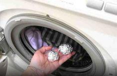 Csinálj golyókat alufóliából és tedd bele a mosógépbe Cleaning Recipes, Diy Cleaning Products, Cleaning Hacks, Salud Natural, Home Hacks, Spring Cleaning, Clean House, Washing Machine, Home Appliances