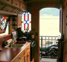 The Flying Tortoise: Meet The Big Maroon. A Beautiful Mobile Home Atop A 1949 Federal Farmtruck...