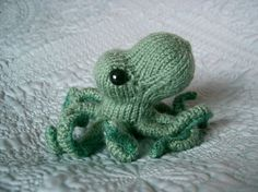 Little green knit octopus