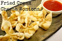 Fried Cream Cheese Wontons -- These are perfect to go with your homemade Chinese dinner!