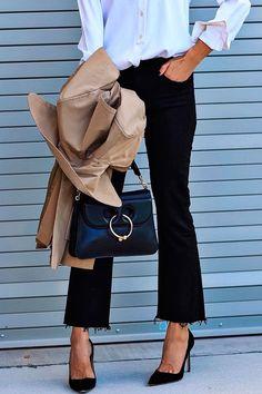1. Scarpins pretos: vai com tudo e é um essencial de todo closet de trabalho - logo é close certo na entrevista também!