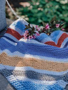 Easy Knit Baby Blanket, Free Baby Blanket Patterns, Soft Baby Blankets, Knitted Baby Blankets, Baby Patterns, Knitting Needle Sets, Baby Hats Knitting, Baby Knitting Patterns, Knitting Help
