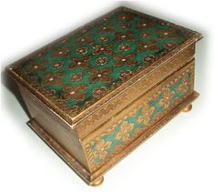 Wright's fancy box that conceals the canary. It accent color should be a slightly lighter shade of green. Antique Music Box, Antique Boxes, Jewellery Boxes, Jewelry Box, Decoupage, Diy Earring Holder, Armoire Makeover, Pretty Box, Little Boxes