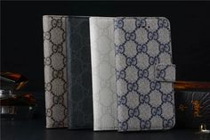 iPhone Schutztasche Hülle im klassischen Handtasche Design mit LV Gucci Logo - VartisMedia.com